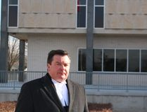 Defence lawyer Brennan Smart heads into the Sarnia courthouse. (NEIL BOWEN/Sarnia Observer)