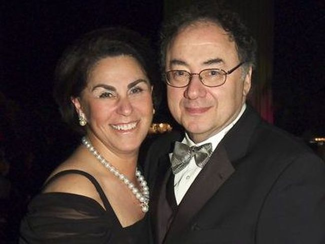 Barry Sherman, chairman and CEO of Apotex Inc., with his wife Honey. Postmedia Network file photo