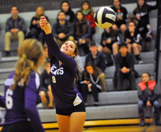 Emily Killingbeck of the Valley Heights Bears makes a pass during the NSSAA senior girls contest at Holy Trinity Tuesday. The Bears improved their record to 4-0 with a 3-0 (25-15, 25-12, 25-12) win.  JACOB ROBINSON/Simcoe Reformer