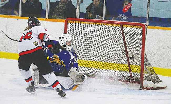 Central Plains went 1-2 this weekend in Manitoba Female Midget Hockey League action. The girls picked up the win over Eastman Sunday in Mitchell. (file photo)