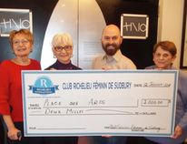 Club Richelieu feminin de Sudbury presented a $2,000 donation to the Place des Arts project on January 12, 2018. Taking part in the cheque presentation are Diane Demore, left, Jeannine Rouleau, Martin Lajeunesse and Lorraine Malette. Supplied photo