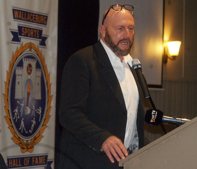 Former NHL all-star defenceman Al Iafrate speaks at the 37th annual Wallaceburg Sports Hall of Fame dinner and induction ceremony at the UAW hall in Wallaceburg, Ont., on Saturday, Jan. 27, 2018. (DAVID GOUGH/Wallaceburg Courier Press/Postmedia Network)
