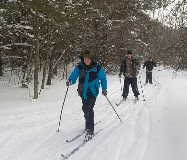 Tired of news stories about worms, sharks and a tighter American border? Travel writer Bob Boughner says there's still plenty to do during a cold Ontario winter, with outdoor activities such as snowshoeing and skiing. (File photo)