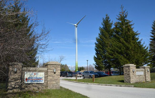 Saugeen Shores councillors want to help the court challenge to help stop the Unifor wind turbine from operating in Port Elgin, but legal concerns halted debate on the level of that support at the Feb. 12. committee of the whole meeting. The issue was referred pending additional legal advice.