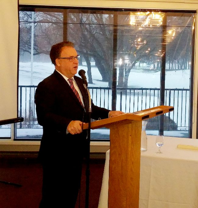 Leeds-Grenville-Thousand Islands and Rideau Lakes MP Gord Brown speaks to the Brockville and District Chamber of Commerce at the Brockville Country Club on Tuesday morning. (RONALD ZAJAC/The Recorder and Times)