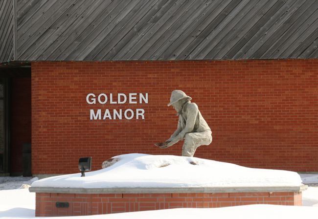 With a large number of residents having flu-like symptoms, visitors are asked to keep away from the Golden Manor unless it is absolutely necessary.
