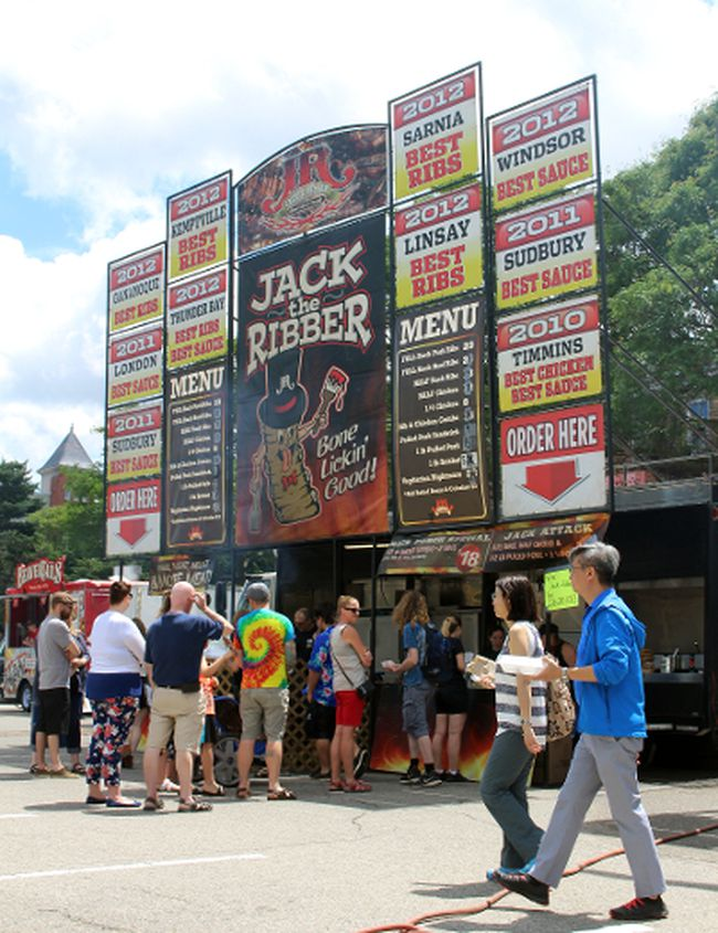 Patrons line up for ribs at the 2017 Stratford Blues and Ribfest. Event organizers are looking for volunteers for this year's festival. (Terry Bridge/Stratford Beacon Herald/Postmedia Network)