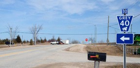 Grey Road 40 where it comes to an end at Highway 6 south of the village of Chatsworth. DENIS LANGLOIS/THE SUN TIMES