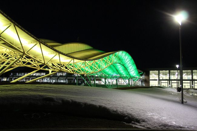 The Shell Place canopy on MacDonald Island in Fort McMurray is lit up in the Humboldt Broncos team colours to show solidarity with the team and the community after Friday night's tragic crash. Laura Beamish/Fort McMurray Today/Postmedia Network