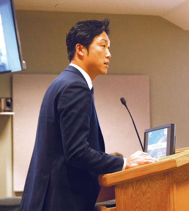 Photo by DAVID BRIGGS/FOR THE STANDARD