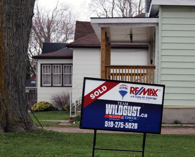 A real estate for sale sign is seen here in this Beacon Herald file photo. (Terry Bridge/Stratford Beacon Herald/Postmedia Network)