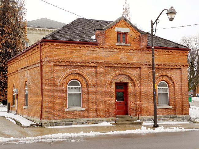 Norfolk staff is recommending $72,000 in renovations to this heritage building at Governor Simcoe Square. The building could be leased to the Simcoe and District Chamber of Commerce and the Simcoe Business Improvement Area or a potential private-sector tenant. Norfolk council will consider a report on the proposal Tuesday afternoon. MONTE SONNENBERG / SIMCOE REFORMER
