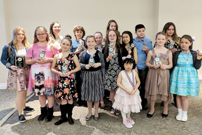 Timmins Porcupine Figure Skating Club held its end-of-year banquet and awards ceremony recently at the Dante Club. Among those honoured were, front: Isabella Bai. Middle row, from left: Jessie Fortier, Lexis Blackwell, Alexis Lachance, Krystina Leblanc, Julia Romualdi, Alicia Gallagher, Nicole Kukulka and Kaydence Lafleur. Back row, from left: Sabrina Riopel-Carrière, Carine Plourde, Kaitlyn Skinner, Savannah Gélinas, Roman Malo and Abigail Marcoux.  SUBMITTED PHOTO