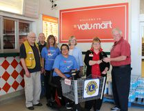 Staff of Dionne's valu-mart and the Lions Club of Cochrane were happy to provide a mobility shopper cart for the grocery store. The apparatus is sure to help those who have difficulty during their shopping expeditions. Available for the presentation were Vince Cloutier, Richard Moore, Jennifer Vojz, Melissa Brunette, Sharon Martin, Lila Paquet and Gerry Robichaud. Times-Post photo by Debbie Morin
