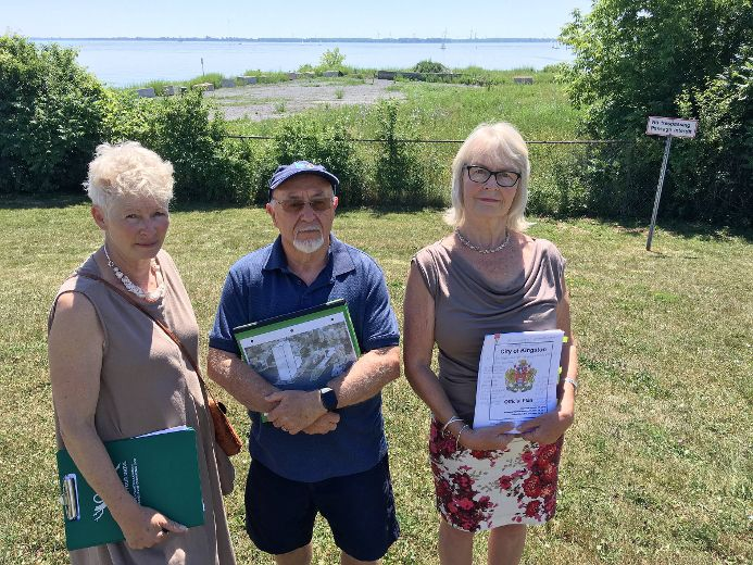 Waterfront project concerns groups