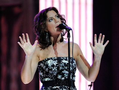 Sarah McLachlan performs during the 40th Juno Awards in Toronto March 27, 2011.   REUTERS/Mark Blinch