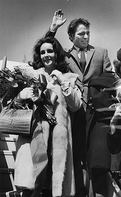 Newlyweds Richard Burton and Elizabeth Taylor wave goodbye to Toronto in March 1964, at the conclusion of their two-month stay for Burton's starring turn as Hamlet. The couple had just been married and were headed to Boston, where the Hamlet production was relocating. (QMI file photo)