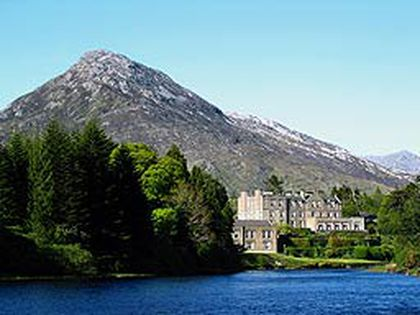 "The O'Flaherty castle -- Ballynahinch, which means ""household of the island"" -- dates back to 1384 and was built on an island in the lake. (Shutterstock)"