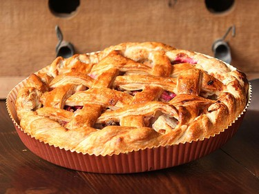 Apple cranberry pie at The Canadian Pie Company in Toronto. (Craig Robertson/QMI Agency)