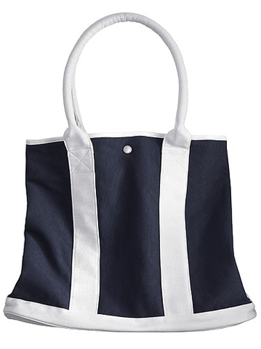 THE PICKNICKERYou need a bag that will hold up over a busy park season--that means hardy fabric, lots of space for your treats, and room to pack a blanket.TOP TREND: NauticalTRY THIS: Joe Fresh Canvas Tote, $19, joefresh.com.