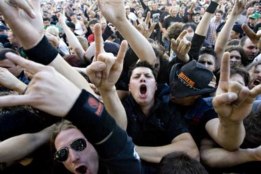 Sept. 29: Chad Gray, vocalist for Hell Yeah, entertains the crowd outside Rexall Place during Rockstar Uproar in Edmonton. (JORDAN VERLAGE/EDMONTON SUN)