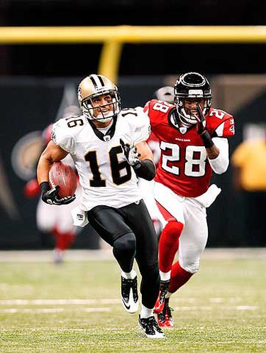 New Orleans Saints wide receiver Lance Moore (16) runs for an 80 yards touchdown against the Atlanta Falcons during the first quarter of their NFL football game in New Orleans, Louisiana on Sept. 26, 2010. (REUTERS)