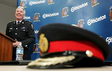 Edmonton Police Chief Mike Boyd smiles as he speaks to the media after agreeing to a contract extension Dec. 11, 2007. (EDMONTON SUN FILE)
