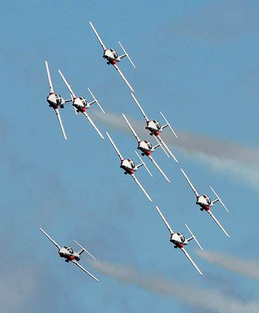 The Canadian Forces' Snowbirds perform on their fourth anniversary at the Canadian International Air Show at the Canadian National Exhibition in Toronto on Sept. 5, 2010. (CRAIG ROBERTSON, Toronto Sun)