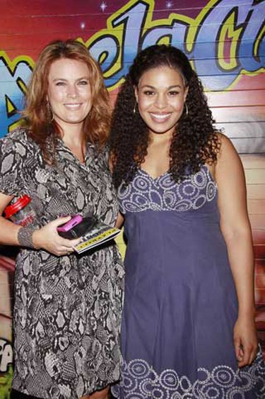 Jordin Sparks poses with her mother. Sparks made her Broadway debut in the Tony and Grammy Award Winning Best Musical 'In The Heights' at the Richard Rodgers Theatre in New York City on August 19, 2010.  ( Joseph Marzullo/Wenn.com)