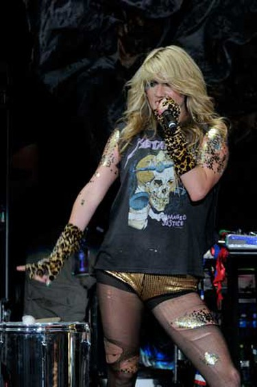 Rihanna and Ke$ha performed at the Molson Canadian Amphitheatre in Toronto on August 5, 2010.  (Dominic Chan/WENN.com)