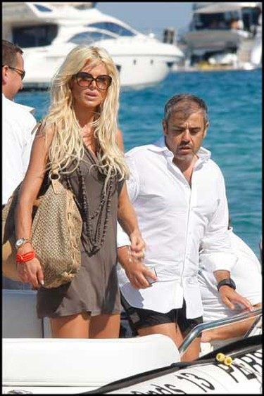 Victoria Silvstedt at Pampelona Beach near Saint-Tropez on a luxury yacht in France July 19, 2010. (WENN.com)