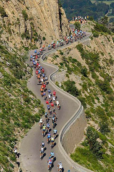 The peloton rides during the tenth stage of the Tour de France cycling race between Chambery and Gap, July 14, 2010.  (REUTERS)