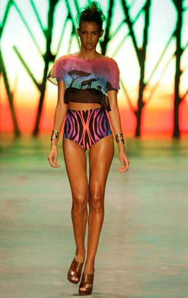 Models present creations from Triya's 2010/2011 summer collection during the Fashion Rio Show in Rio de Janeiro, June 1, 2010. (REUTERS)