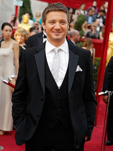 Hit: Jeremy Renner. Looking da bomb, Hurt Locker actor Jeremy Renner stood out with his silver neckwear and matching pocket square. In an army of male Oscar hopefuls sporting straight black ties and bowties, he proved he's ready for Oscar glory. (BRIAN SNYDER/Reuters)