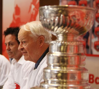 Doug Gilmour and Gordie Howe. Legendary hockey players help raise awareness at the Scotiabank Pro-Am in support of the Gordie & Colleen  Howe Fund for Alzheimer's at Baycrest.  (Veronica Henri/Toronto Sun)