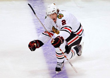 Chicago Blackhawks defenceman Duncan Keith celebrates after scoring against the Boston Bruins in the second period of their NHL hockey game in Boston, Massachusetts on Jan. 7, 2010.  (REUTERS)