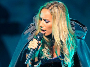 British singer Leona Lewis performs at The Hackney Empire in London November 2, 2009. (REUTERS)