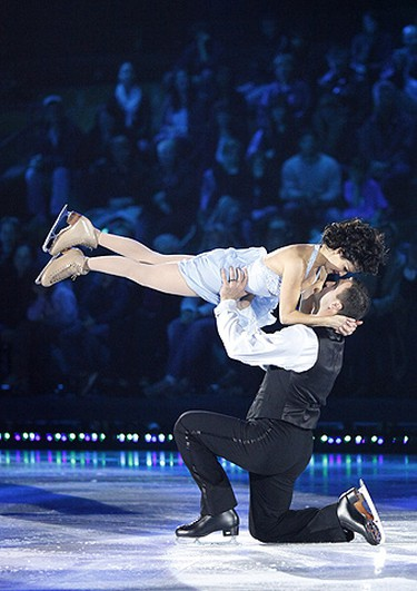 Marie-France Dubreuil and Stéphane Richer perform to Frank Sinatra's Strangers during Week two of CBC's Battle of the Blades  at Toronto's historic Maple Leaf Gardens on Oct. 11, 2009. (Handout)
