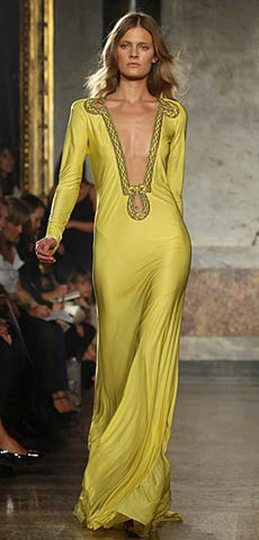 A model displays a creation as part of Emilio Pucci Spring/Summer 2010 women's collection in Milan on Sept 26, 2009. (REUTERS)