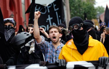 Demonstrators march during a protest before the start of the G20 Pittsburgh Summit in Pittsburgh, Pennsylvania on Sept.  24, 2009. (REUTERS)