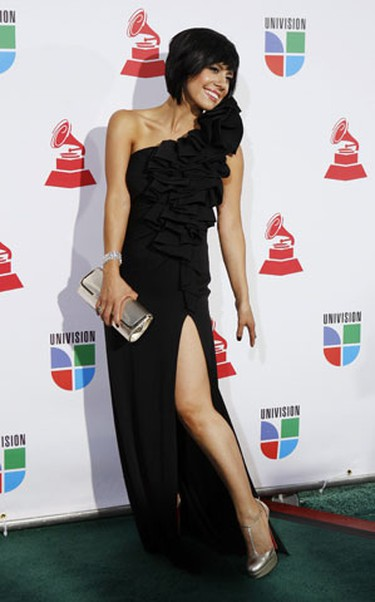 Singer and songwriter Luz Rios poses as she arrives at the 10th annual Latin Grammy awards in Las Vegas, Nevada November 5, 2009. REUTERS/Steve Marcus