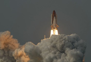 The space shuttle Endeavour lifts off from  launch pad 39A at the Kennedy Space Center in Cape Canaveral, Florida July 15, 2009. Endeavour carries a crew of seven astronauts on a mission to the International Space Station.     (REUTERS)