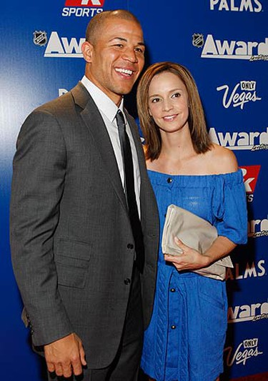 Calgary Flames Jerome Iginla and his wife Kara Kirkland arrive for the 2009 NHL Awards in Las Vegas, Nevada on June 18, 2009.  (REUTERS)