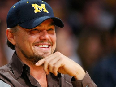 Actor Leonardo DiCaprio sits courtside during Game 2 of the NBA Finals between the Los Angeles Lakers and the Orlando Magic in Los Angeles, June 7, 2009.  (REUTERS/Mike Blake)