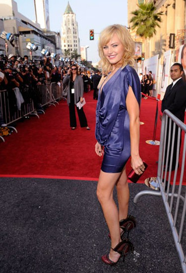 """Cast member Malin Akerman attends the premiere of the film """"The Proposal"""" in Los Angeles June 1, 2009. (REUTERS)"""