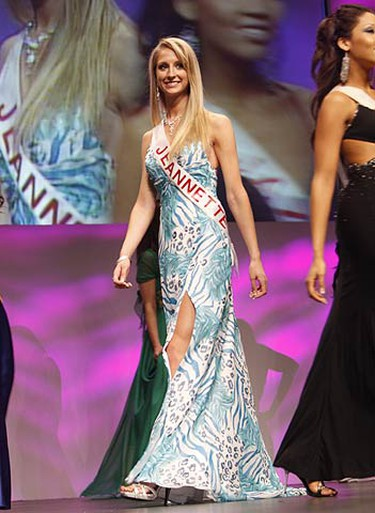 Miss Universe 2009 contestant Jeannette Pastuch graces the stage during the evening gown competition at the John Bassett Theatre at the Metro Toronto Convention Centre. (JACK BOLAND, Sun Media)