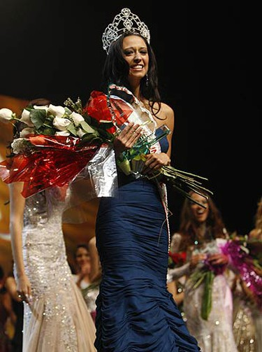 Toronto's own Mariana Valente, a fourth year York University student was crowned last night at the John Bassett Theatre at the Metro Toronto Convention Centre. Fifty-five ladies from across the country competed in the gala event on May 16, 2009. (JACK BOLAND, Sun Media)