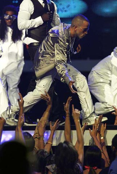 Dominican group El Grupo Aventura perform at the 2009 Billboard Latin Music Awards in Miami on April 23, 2009. (REUTERS)
