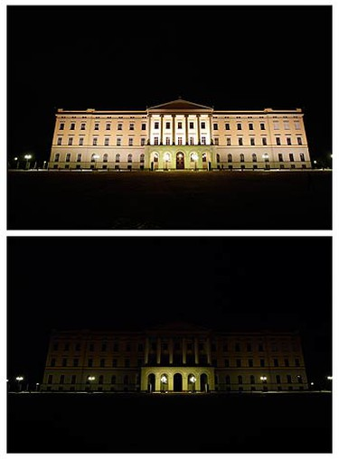 A combination picture shows a view of the Royal Palace in Oslo before (top) and during Earth Hour on March 28, 2009. (REUTERS)