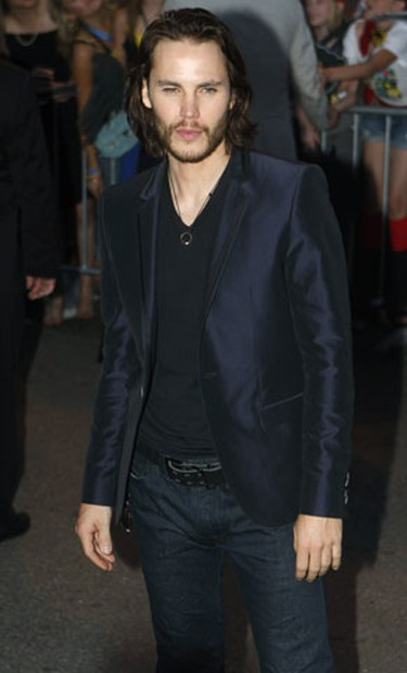 """Actor Taylor Kitsch arrives at the premiere of the movie """"X-Men Origins: Wolverine"""" in Tempe, Arizona April 27, 2009. (Joshua Lott, Reuters)"""